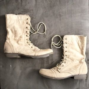 Forever 21 Cream Beige Lace Up Suede Boots -Size 9
